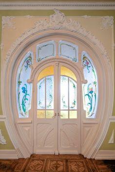 Chafariz d'el Rei Palace detail of one door - Lisbon #Portugal