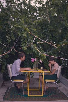 simple, intimate dinner for 2 via kinfolk