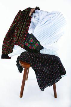 Folklore, Harem Pants, Costumes, Dresses, Fashion, Vestidos, Moda, Harem Trousers, Dress Up Clothes