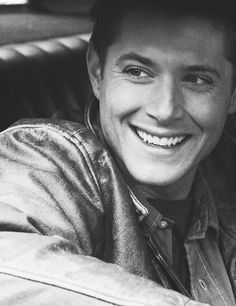 I feel like I've been so MIA recently guys. Homework is pulverizing me.   I'll be pinning more tonight I'm sure, but in the meantime: Happy Halloween AND Happy Winchester Wednesday. And here is some Jensen Smile/Eye Crinkles/Perfection to get you through your hump day. <3 #Supernatural #WinchesterWednesday