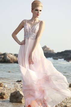 淡いピンクのプリンセスロングドレス♪  - ロングドレス・パーティードレスはGN|演奏会や結婚式に大活躍!