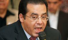 أيمن نور يقاضي وزير الخارجية وينفى طلبه للجوء السياسي