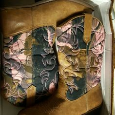 """Pink camouflage boots Brand new. Never worn. Cute boots, no spots nor scratches. In original box. The heel is about 1.5 """" and the boot itself is 12"""".  Very comfortable feel to them. Rodeo Ropers Shoes Heeled Boots"""