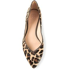 Tory Burch leopard coconut ballerinas ($215) ❤ liked on Polyvore featuring shoes, flats, zapatos, brown, tory burch flats, pointed toe ballet flats, pointed toe flats, pointed-toe leopard flats and leopard flats