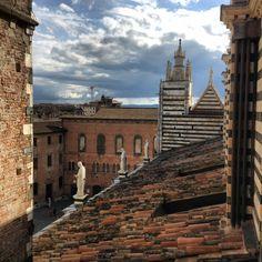 9_Scorcio di Palazzo Squarcialupi e Museo Santa Maria della Scala.