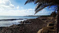 Quando sembra che non ci sia niente ma in realtà non manca niente... #yousinis #sardegna #sardinia #viaggi #journey #italia #italy #spiaggia #seaside #mare #sea #volgoitalia #volgosardegna #igersitalia #igerssardegna #instalike #instalife #instamoment #instamood #l4l #like4like #likeforlike #sky #cielo