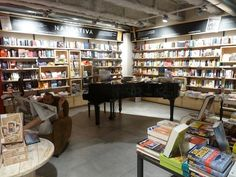 Feltrinelli's RED store in Florence ...with, of course, a grand piano.
