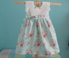 Cómo ganchillo del bebé del niño vestido de niña utilizando Patrón Funda de almohada de la vendimia Tutorial (Video)