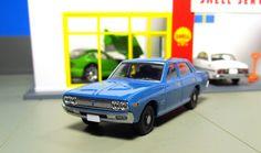Tomica Limited Vintage LV-N30a 1974 Nissan Cedric Standard blue tomicarama shell