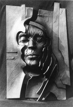 Sculpture by Gunther Stilling Ceramic Figures, Sculpture Clay, Ceramic Painting, Art Plastique, Face Art, Tattoo Studio, Pottery Art, Metal Art, Cool Art