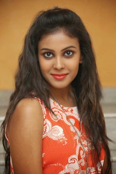 Hot Actress: Chandini Cute Pictures
