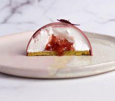 Meringue Pavlova, Dessert Recipes, Desserts, Panna Cotta, Food Photography, Treats, Snacks, Ethnic Recipes, Christmas