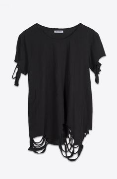 DESTROYED BLACK TEE                                                                                                                                                                                 Mais