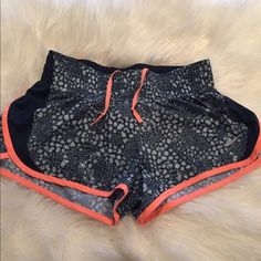 Nike Dri fit shorts Like new condition, they have thick waist band Nike Shorts