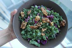 salat med grønkål og saltede valnødder LCHF