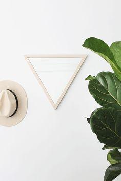 Home Decor DIY's : diy triangle mirror -Read More – Diy Interior, Diy Room Decor, Bedroom Decor, Home Decor, Bedroom Ideas, Bedroom 2017, Design Bedroom, Bedroom Inspo, Wall Decor