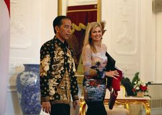 1 September 2016 - Royal tour to Indonesia - dress (recycled) by Valentino