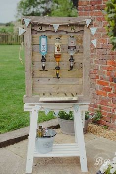 20 Rustic I do BBQ (Barbecue) Wedding Ideas Homemade outdoor bar to keep your wedding guests watered whilst they are enjoying the sunshine. Wedding Catering, Wedding Reception, Wedding Venues, Diy Wedding Bar, Wedding Hacks, Perfect Wedding, Dream Wedding, Rustic Wedding Bar, Wedding Country