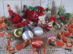 Vintage 1950's Lot Of Christmas Decorations by AuntSuesVintage, $5.99