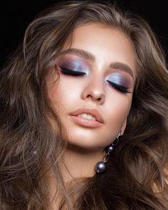 Stunning Makeup for the Wedding # makeupinspo … - Eye Makeup Makeup Trends, Makeup Inspo, Makeup Art, Makeup Inspiration, Sparkly Eyeshadow, Eyeshadow Makeup, Blue Eyeshadow For Brown Eyes, Makeup Eyes, Stunning Makeup