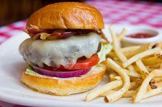 Frankie's Scaloppine Half-Pound Burger  #LettuceEntertainYou #LettuceEats #FrankiesScaloppine #Chicago #BurgerMonth #Hamburger #Delicious