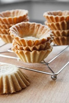 kruche spody do babeczek No Bake Desserts, Delicious Desserts, Dessert Recipes, Yummy Food, Gourmet Recipes, Sweet Recipes, Cookie Recipes, Baking Basics, Sweet Tarts