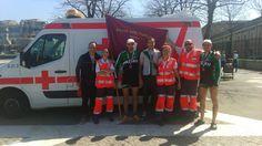 Voluntarios/as de Cruz Roja del Mar de Uribe Aldea (Arriluze) y de Cruz Roja Margen Izquierda cubriendo regatas de bateles en dársena La Benedicta de Sestao