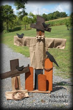 I love these guys.thanks Weiricks for sharing! Fall Wood Crafts, Halloween Wood Crafts, Scarecrow Crafts, Autumn Crafts, Fall Halloween, Holiday Crafts, Halloween Decorations, Wood Scarecrow, Halloween Blocks