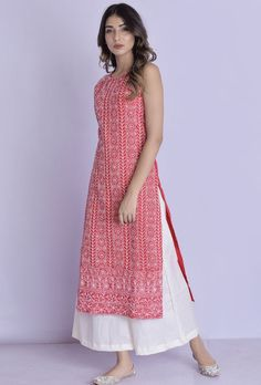 Halter Neck Chikankari Kurta Palazzo Red Halter Neck Chikankari Kurta Palazzo -Chikankari handwork all over the kurta with flared palazzo Simple Kurti Designs, Kurta Designs Women, Salwar Designs, Kurti Back Designs, Patiala Suit Designs, Dress Indian Style, Indian Dresses, Indian Suits, Western Dresses