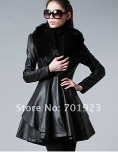 Leather coat with removable fur collar