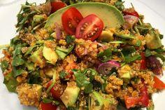 Salát s quinoou a červenou čočkou