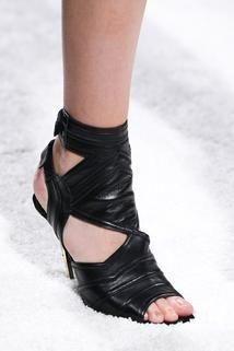 Balmain Spring 2015 Ready-to-Wear - Details - Gallery - Look 5 - Style.com