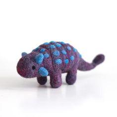 Needle Felted Ankylosaurus by Wild Whimsy Woolies Weaving Projects, Weaving Art, Felted Wool Crafts, Felt Crafts, Felt Fox, Wool Felt, Needle Felted Animals, Felt Animals, Wet Felting