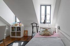Apartamento na Lapa: Quartos de criança modernos por RRJ Arquitectos