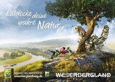 Imagekampagne Weserberglandweg. Heimat des Wanderns. Für den frisch zertifizierten, 225 Kiometer langen, Qualitätswanderweg entwickelte Orange Cube ein umfassendes Kampagnenkonzept. Die Kampagne zeigt mit stimmungsvollen Panoramen, die Wanderer auf ihrem Weg durch das Weserbergland. Versteckt zwischen Bäumen, Felsen und Wasserfällen findet sich stets auch das neue XW-Routenlogo des Weserbergland-Weges. Mehr http://orange-cube.de/static.php?page=weser-bergland-weg-tourismus-Werbung
