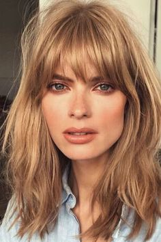 110 Erdbeerblondes Haar, das einen fesselnden Blick wirft 110 Strawberry-blonde hair that casts a ca 2018 Hair Color Trends, Hair Color 2018, Fall Hair Trends, Hair 2018, Summer Trends, Blonde Hair Trends Fall 2018, Colour Trends, 2018 Color, Strawberry Blonde Hair