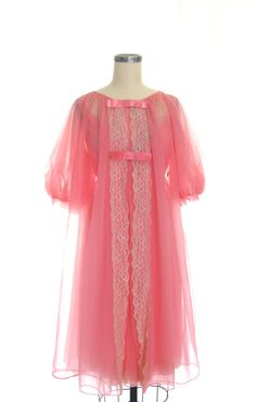 1950s Peachy Pink Chiffon Peignoir Set