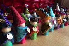 gorgeous peg doll elves for Advent Noel Christmas, Christmas Themes, Handmade Christmas, Holiday Crafts, Holiday Decor, Homemade Advent Calendars, Diy Advent Calendar, Calendar Ideas, Yule