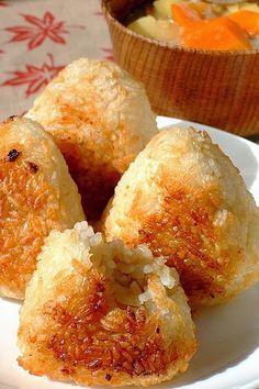 焼きおにぎり Yaki Onigiri Grilled Riceball / Japanese IT LOOKS SO GOOD!!!!