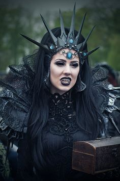 Crown Me! 15 Gothly Crowns. (Gallery 2) - Gothic Life