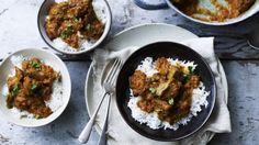 CORDERO DHANSAK  Tiempo de preparación  Menos de 30 minutos  Hora de cocinar  1 a 2 horas  Sirve  Para 6       Dhansak es un curry indio po...