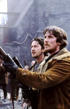 Gerard Butler & Christian Bale in Reign of Fire