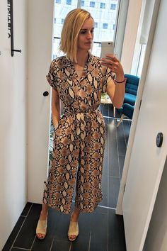 Best items in Oasis New Look French Connection: Joy Montgomery wearing New Look snakeskin jumpsuit New Look Jumpsuit, Oasis Fashion, Snake Print Pants, High Street Stores, Oasis Dress, Jumpsuit Pattern, Mode Outfits, Fashion Outfits, Only Fashion