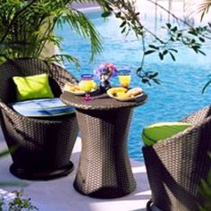 Poolside breakfast at Silver Palms Inn Key West Key West Hotels, Outdoor Furniture Sets, Outdoor Decor, Palms, Tree Branches, Art Pieces, Breakfast, Silver, How To Make