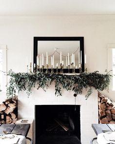 cvltureclub: grace–upon–grace: Vanessa... Natural Christmas, Christmas Home, Modern Christmas Decor, Christmas Wreaths, Christmas Decorations, Holiday Decor, Family Christmas Outfits, Lights, Nice