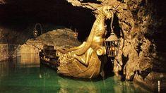 Unikátna jaskyňa Seegrotte z Troch mušketierov nájdete neďaleko Bratislavy - Akčné ženy Kiefer Sutherland, Outdoor Furniture, Outdoor Decor, Hammock, Hammocks, Hammock Bed, Backyard Furniture, Lawn Furniture, Outdoor Furniture Sets