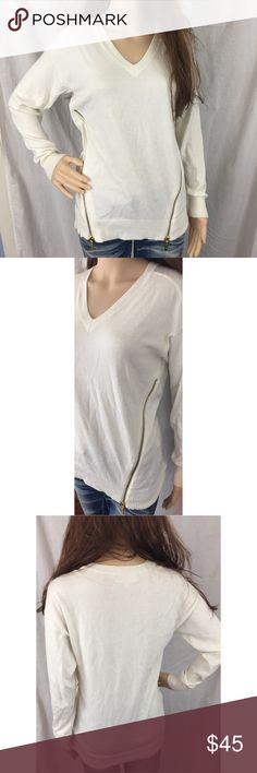 MICHAEL KORS Cream Sweater with Side Zippers. S. MICHAEL KORS cream long-sleeve sweater. Gold side zippers. Size Small. Great Value! You have great style! KORS Michael Kors Sweaters V-Necks