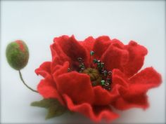 Felt bright Red poppy brooch