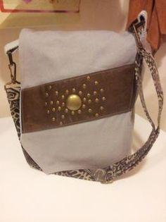 Harmaa läppälaukku Bags, Fashion, Handbags, Moda, Fashion Styles, Fashion Illustrations, Bag, Totes, Hand Bags