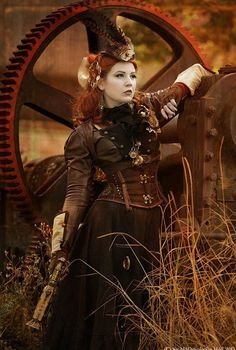 Steampunk its more than an aesthetic style, it's the longing for the past that never was. In Steampunk Girls we display professional pictures, and illustrations of Steampunk, Dieselpunk and other anachronistic 'punks. Some cosplay too! Mode Steampunk, Steampunk Couture, Steampunk Cosplay, Steampunk Design, Gothic Steampunk, Steampunk Clothing, Steampunk Fashion, Steampunk Outfits, Steampunk Circus